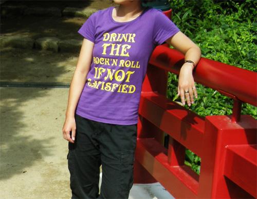 ロックTシャツ タイポグラフィデザイン 女の子写真